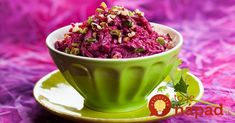 Beet salad with prunes, walnuts and garlic Easy Delicious Recipes, Tasty, Healthy Recipes, Easy Recipes, Good Food, Yummy Food, Beet Salad, Cooking Together, Mayonnaise