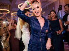 """Katy Perry entra de """"penetra"""" em festa de casamento e faz alegria dos convidados #Babados, #Bapho, #Baphos, #Celebridades, #Entretenimento, #Fama, #Famosos, #Famous, #Final, #Fofocas, #Instagram, #Prontofalei, #Seguidores, #Seguir, #Televisão, #Tv http://popzone.tv/2017/10/katy-perry-entra-de-penetra-em-festa-de-casamento-e-faz-alegria-dos-convidados.html"""