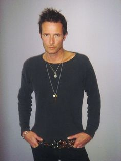- - -  RIP - Scott Weiland  - - - - -          Scott was a talented vocalist that helped define his musical era.  He could constantly re-invent himself and his style, but had a lifelong struggle with Bi-Polar Disorder and drug-abuse.