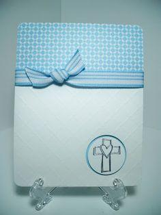 Mayo es mes de Primeras Comuniones en Miami y para ella disene un par de tarjetas en color blanco y azul muy delicadas y sencillas.  Aqui le...