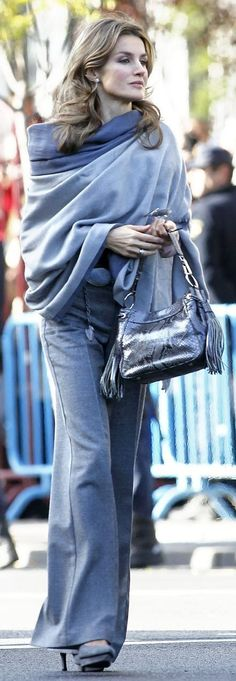 Princess Letizia of Spain: blue-grey cashmere shawl wrap pomcho