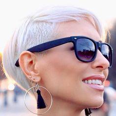 @fanniewilkens #shorthair #h#s #pixie#haircut#short#blonde #blondehair#b#hair #blondehairdontcare #blondeshavemorefun#platinumhair #blonde