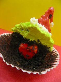 Grinch Cupcakes with the heart