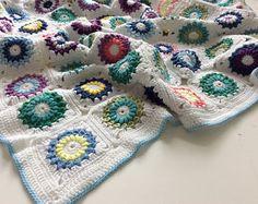 Crochet baby blanket, toddler blanket, colorful blankie, handmade blanket, granny squares blanket, 100x80 cm