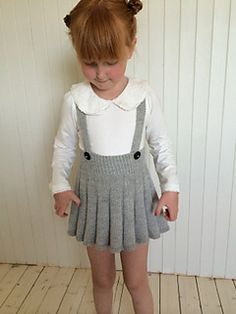 Ravelry: Snurr-Meg-Skjørt / Triple Skirt pattern by Trine Johnsen design Winter Skirt Outfit, Skirt Outfits, Knitting For Kids, Baby Knitting Patterns, Knitting Stitches, Ravelry, Outfit Des Tages, Knit Baby Dress, Diy Mode