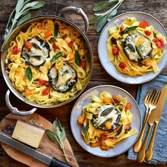 Baked portobellos with blue cheese, mozzarella, grana padano, garlic & sage and tomatoes, over pappardelle. A quick, easy and delicious meal to end the week! #meatless #pasta #easyrecipe #HestanCulinary Portobello, Blue Cheese, Paella, Mozzarella, Pasta Recipes, Tomatoes, Sage, Garlic, Trust