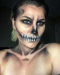 Death becomes her. #halloweenmakeup #skeleton #skeletonmakeup #younique #makeup #paintsquad #paintmyfacemakeup #mua #makeupartist #halloweenmask