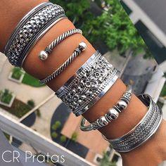 WEBSTA @ cr_pratas - Braceletes em prata 925 simplesmente maravilhosos ✨Temos todas essas opções disponíveis pro sucesso das suas vendas 😍Mais informações pelo nosso WhatsApp:(011)98881-2733 📲