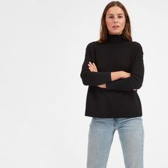 Cashmere—squared. The turtleneck version of our signature cropped square silhouette has a flattering fit and that perfect in-between neck height. No more rolling required.