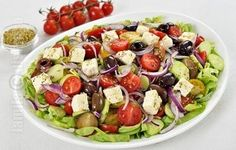 Salata greceasca - video Fruit Salad, Cobb Salad, Tasty, Yummy Food, Salad Dressing, How To Stay Healthy, Food Art, Food Videos, Sweet Recipes
