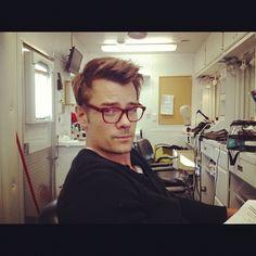 Josh Duhamel. Wearing glasses. Hot.