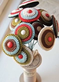 Google Image Result for http://www.larkcrafts.com/wp-content/uploads/2012/12/penny-rug-bouquet.jpg