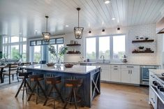 Home Renovation Modern modern-farmhouse-kitchen - This charming modern eclectic farmhouse was designed by interiors studio CVI Design, located in Hudsonville, a city in Ottawa County, Michigan. Beach Cottage Kitchens, Farmhouse Style Kitchen, Modern Farmhouse Kitchens, Home Kitchens, Farmhouse Decor, Eclectic Kitchen, Home Decor Kitchen, New Kitchen, Kitchen Magic