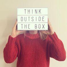 Lightboxes na decoração são caixas luminosas que podem deixar a sua casa ou até mesmo o seu escritório com uma decoração muito mais charmosa.