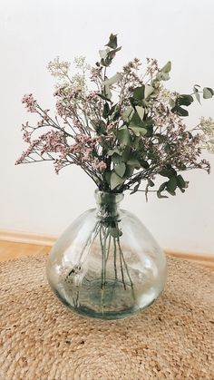 Glass Vase, Ideas, Home Decor, Floral Arrangements, Flowers, Decoration Home, Room Decor, Home Interior Design, Thoughts