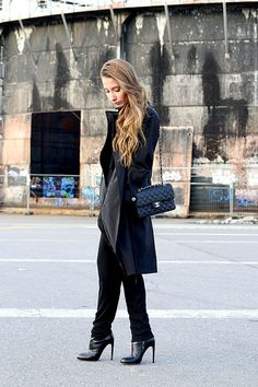 All black everything  http://matildamoreliuss.blogspot.fi/2014/12/its-black.html