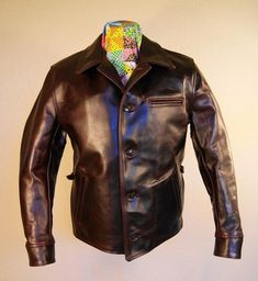 Brown Leather Jacket Men, Vintage Leather Jacket, Leather Jackets, Hybrid Moments, Men's Wardrobe, Casual Outfits, Bomber Jacket, Leather Products, Male Style