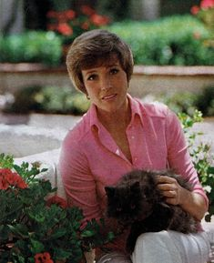 Julie Andrews and cat.