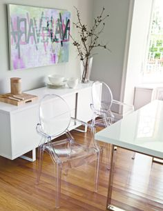 Sillas Louis Ghost de Philippe Starck para KARTELL Sillas Louis Ghost, Single Apartment, Interior Decorating, Interior Design, Decoration, Building A House, Sweet Home, Dining Room, Chair