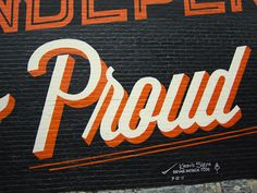 Check out this awe­some typo­graphic mural that Bryan Patrick Todd designed to adorn a build­ing in the Highlands, a pop­u­lar neigh­bor­hood in Louisville, Kentucky. I love see­ing the mix of typog­ra­phy and illus­tra­tions in such a large scale. Plus, the color palette is per­fectly appro­pri­ate for this pre-Halloween week.