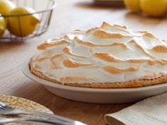 Alton Brown's Lemon Meringue Pie recipe from Good Eats on Food Network is sweet and tart; it's a classic citrus dessert topped with creamy toasted meringue. Pie Recipes, Dessert Recipes, Cooking Recipes, Lemon Desserts, Pie Dessert, Cooking Food, Cheesecake Recipes, Cooking Time, Food Network Recipes