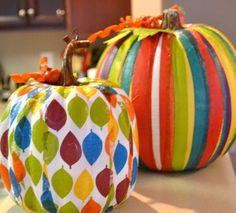 Find 22 Pumpkin Decorating ideas all in one place. Simple DIY craft tutorial ideas that are perfect for Halloween and Fall decor. Spooky Pumpkin, Pumpkin Crafts, Fall Crafts, Halloween Pumpkins, Halloween Crafts, Holiday Crafts, Halloween Decorations, Diy Crafts, Fake Pumpkins