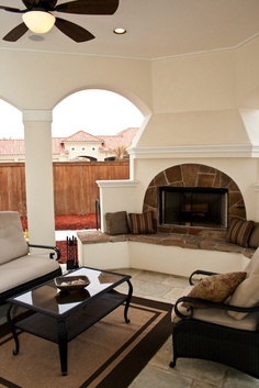 Outdoor living room - Collinas Design & Construction