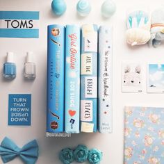 Pretty blue books. | #books #bookstagram #vscobooks #ohmybows