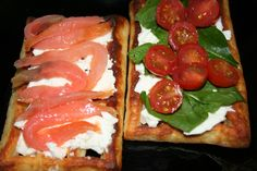 Waffles with cottage cheese & salmon / tomato & spinach | Gofres con queso fresco y tomate / salmón | Chetelocucinoafare!