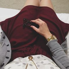 Love the burgundy skirt. Fall Outfits, Cute Outfits, Fashion Outfits, Stylish Outfits, Mode Inspiration, Color Inspiration, Love Fashion, Fashion Beauty, Burgundy Skirt