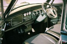 Classic Mini Cooper Interior - Find more pics like this and a community that loves Mini Cooper by clicking the link! Old Mini Cooper, Rover Mini Cooper, Mini Cooper Custom, Mini Cooper Sport, Mini Cooper Classic, Classic Mini, Classic Cars, Mini Cooper Hardtop, Mini Cooper Clubman
