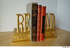 Awesome idea!!! DIY Upcycled Bookends