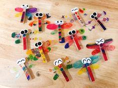가을 주제 : 나무집게로 잠자리 만들기 가을 주제로 곤충을 만들 수 있어요 가을에 대표적인 곤충 중 하나... Diy Crafts For Kids Easy, Toddler Crafts, Preschool Crafts, Projects For Kids, Diy And Crafts, Arts And Crafts, Paper Animal Crafts, Paper Animals, Painting For Kids