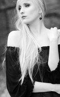 lonely beauty by KaylaDavion