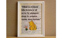Plakat KUBUŚ PUCHATEK - MIŁOŚĆ - cytat vintage - Sanwers - Ozdoby na ścianę Motto, Sad, Vintage, Disney, Frame, Quotes, Home Decor, Quotation, Quotations