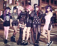 harajuku punk style so lovely Fashion 90s, Pastel Goth Fashion, Tokyo Fashion, Harajuku Fashion, Dark Fashion, Kawaii Fashion, Grunge Fashion, Gothic Fashion, Asian Fashion