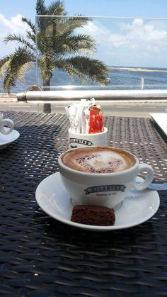 Coffee Vs Tea, Coffee Latte, I Love Coffee, Coffee Break, Coffee Drinks, Coffee Time, Morning Coffee, Coffee Shop, Coffee Cups