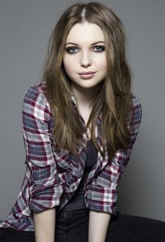 Sammi Hanratty, those eyes, those lips-Call Me!