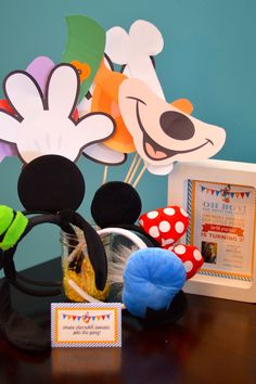 Donald Duck Birthday Party - photo booth props
