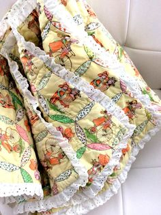 Vintage Holly Hobbit Quilt Blanket 80s by hopscotchmemories