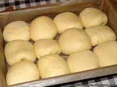 GRUNT TO PRZEPIS!: Maślane bułeczki przytulone z powidłami śliwkowymi Bread, Crafts, Diy, Food, Manualidades, Bricolage, Brot, Essen, Do It Yourself