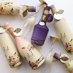 Светлана Праздничная Diy Bottle, Wine Bottle Crafts, Bottle Art, Bottles And Jars, Glass Bottles, Decoupage Jars, Wedding Wine Bottles, Diy Wedding Decorations, Decor Wedding