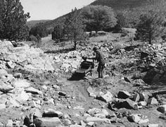 Silver City, New Mexico Tour/Solitary placer miner near Pinos Altos, ca 1940. (Russell Lee photograph, courtesy Library of Congress)