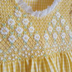 Smocking Plates, Smocking Patterns, Dress Sewing Patterns, Baby Embroidery, Hand Embroidery Designs, Origami Clothing, Pink Dresses For Kids, Little Girl Dress Patterns, Bordado Popular