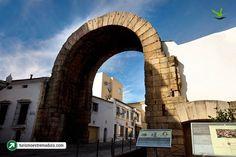 Arco Romano de Trajano, Mérida en Badajoz, Extremadura