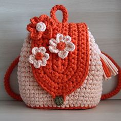 Marvelous Crochet A Shell Stitch Purse Bag Ideas. Wonderful Crochet A Shell Stitch Purse Bag Ideas. Crochet Girls, Love Crochet, Hand Crochet, Crochet Baby, Knit Crochet, Crochet For Kids, Crochet Handbags, Crochet Purses, Crochet Shell Stitch