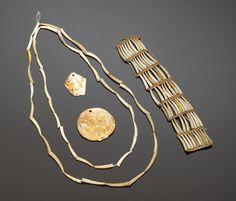 dentalium necklace -
