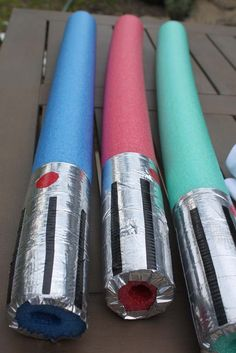 Pool noodle lightsabers: cut pool noodles in half, wrap bottom in Chrome, cut black strips and circle for the handle. Peach Street's Blog: Star Wars Birthday Party.