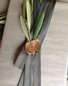 Wedding Stationary with initialed wax seal - love the idea of waxing ribbon and . Wedding Stationary with initialed wax seal – love the idea of waxing ribbon and twigs together! Wrapping Gift, Creative Gift Wrapping, Christmas Gift Wrapping, Wrapping Ideas, Creative Gifts, Elegant Gift Wrapping, Pretty Packaging, Gift Packaging, Wedding Stationary