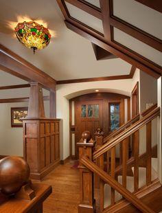 In Search of Character: Craftsman Style Craftsman Bungalow Interiors Estilo Craftsman, Craftsman Style Interiors, Craftsman Decor, Bungalow Interiors, Craftsman Interior, Modern Craftsman, Bungalow Homes, Craftsman Style Homes, Craftsman Bungalows